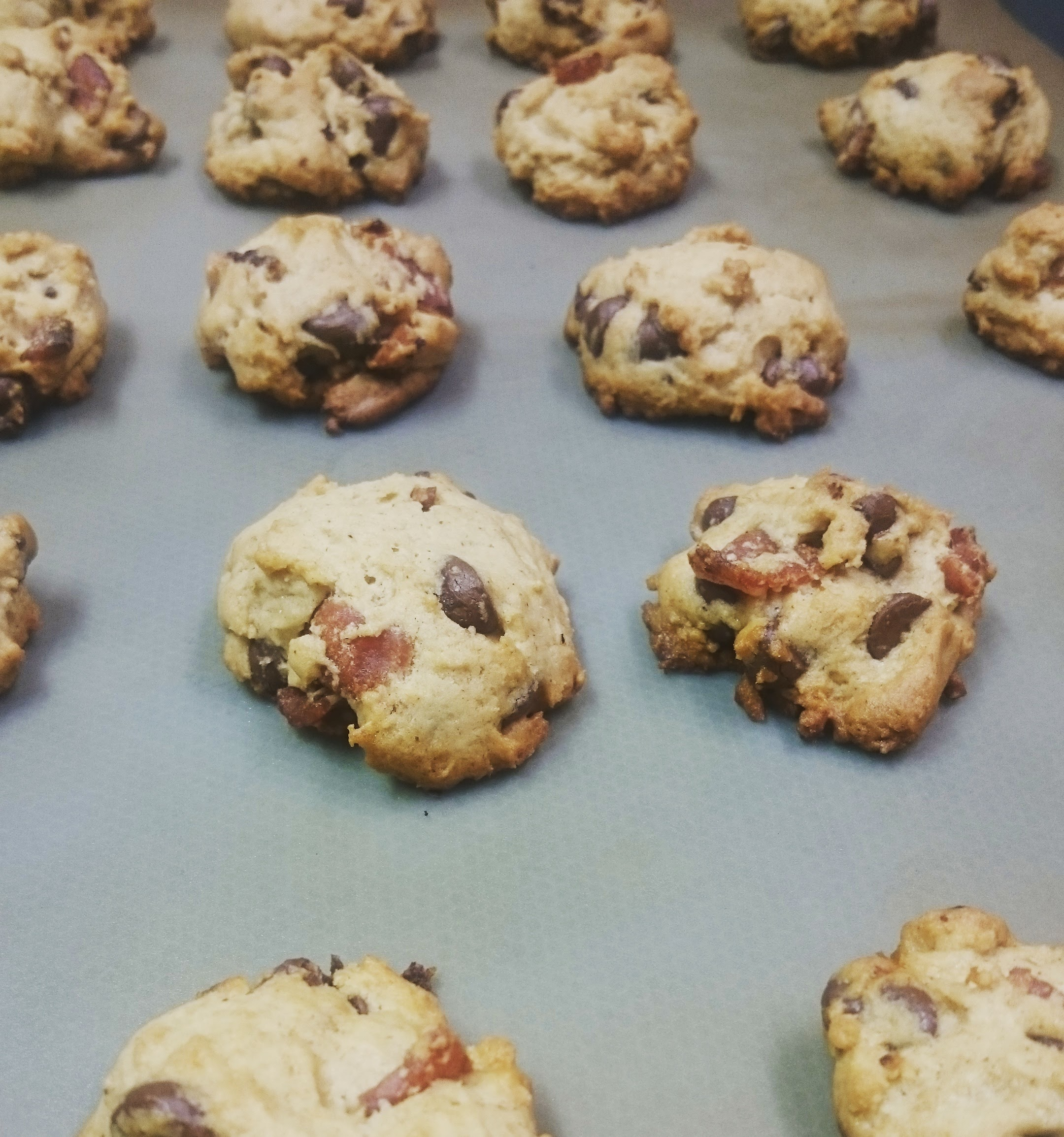 Spiced bacon chocolate chip cookies, fresh from the oven!